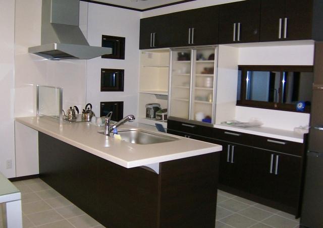 動線設計を考慮したキッチン