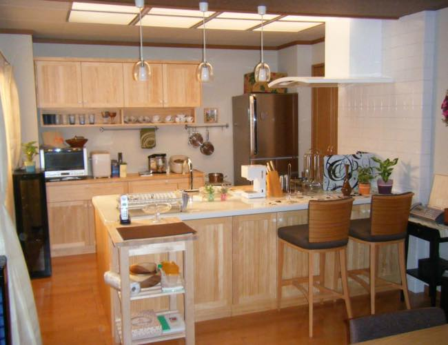 南三条家の自宅 システムキッチン
