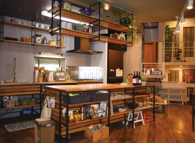 主人公が住む二世帯住宅の「キッチン」