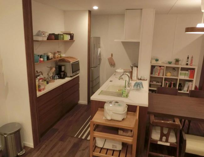 高野亜紀の自宅マンション システムキッチン