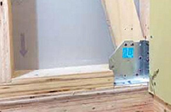 筋交い結合部ではほとんど破断が見られず、構造材であるJWOOD LVLと金物工法の耐震性の高さを実証した。