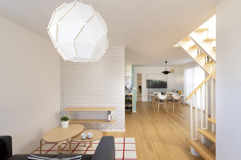 株式会社Home plus(ホームプラス)の施工事例 | 無垢材が活きる、あたたかく明るい家