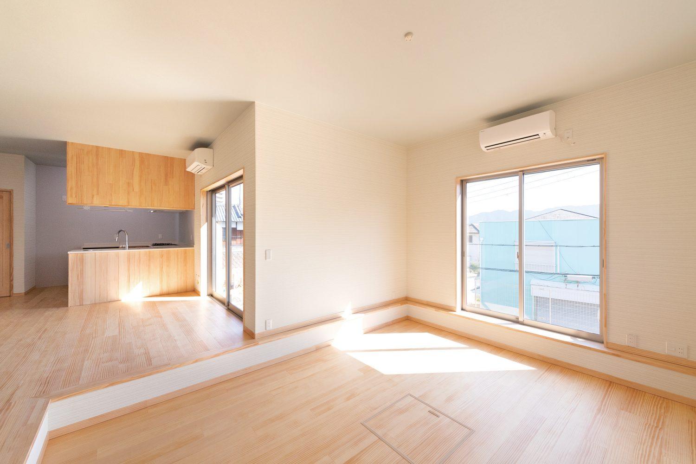 株式会社Home plus(ホームプラス)の施工事例 | 木素材をふんだんに感じる広々空間の家